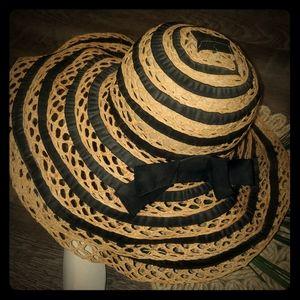 Vintage Alessandra Bacci Brim Bucket Hat